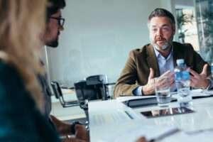 influencia en el liderazgo 300x200 - Empresas